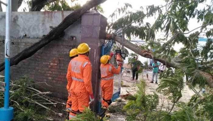 PM Narendra Modi speaks to Mamata Banerjee over Cyclone Bulbul, assures assistance