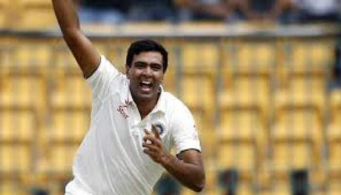 Ravichandran Ashwin mimics Sanath Jayasuriya's bowling action during practice