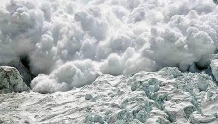 4 Indian soldiers, 2 civilians killed after avalanche hits patrolling team in Siachen