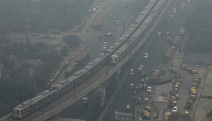 Air quality in Delhi dips for second consecutive day, AQI remains in 'Poor' category