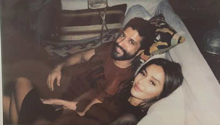 Farhan Akhtar and ladyove Shibani Dandekar's latest picture is so full of love!