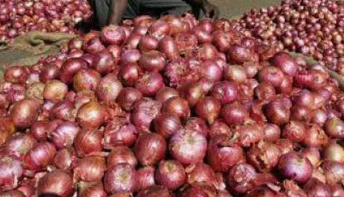 Onion prices shoot up to Rs 200/kg in Bengaluru market