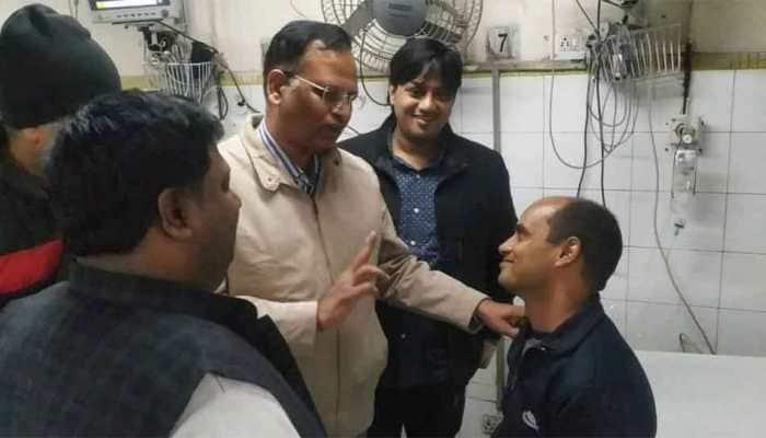 Delhi Minister lauds fireman who saved 11 people at Anaj Mandi fire, calls him 'Real Hero'