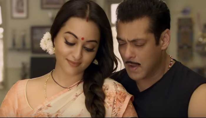 Salman Khan-Sonakshi Sinha'a romance in this dialogue promo is a must watch!