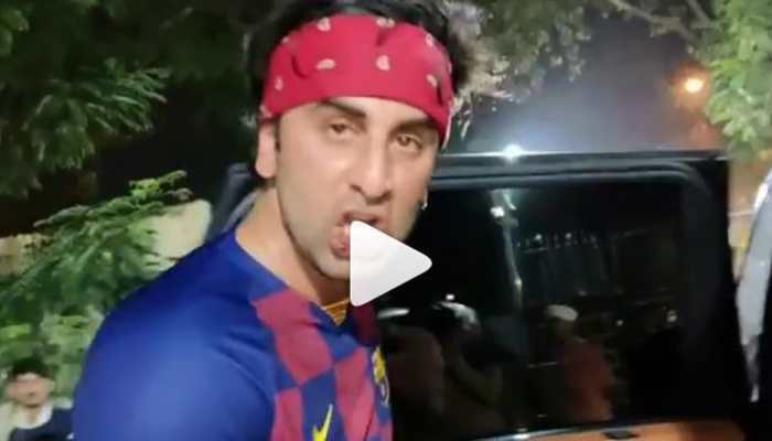 Ranbir Kapoor gets injured during football match- Watch