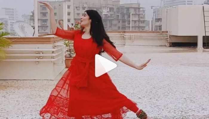 Adah Sharma performs Kathak on Jingle Bells Christmas carol, video goes viral—Watch