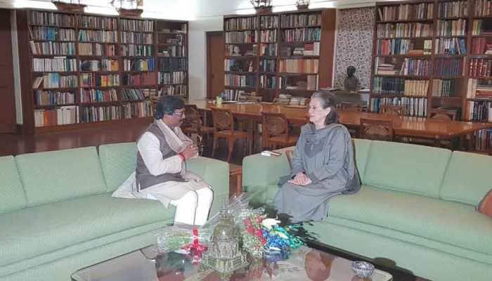 Jharkhand CM-designate Hemant Soren meets Sonia Gandhi, invites her for his swearing-in ceremony
