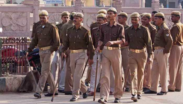 Five policemen suspended for beating RSS worker in Amethi