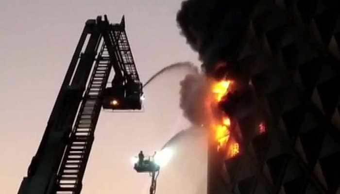Massive fire breaks at cloth market in Gujarat's Surat, 50 fire tenders at spot