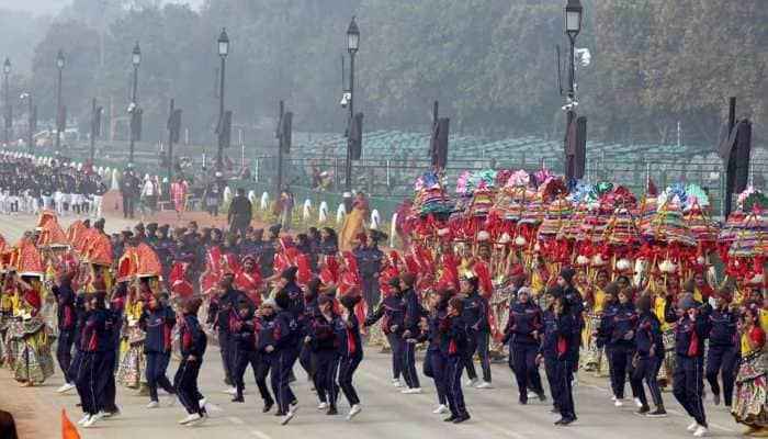 Delhi Police issues traffic advisory for full dress rehearsal, Republic Day; check metro timings, alternate routes