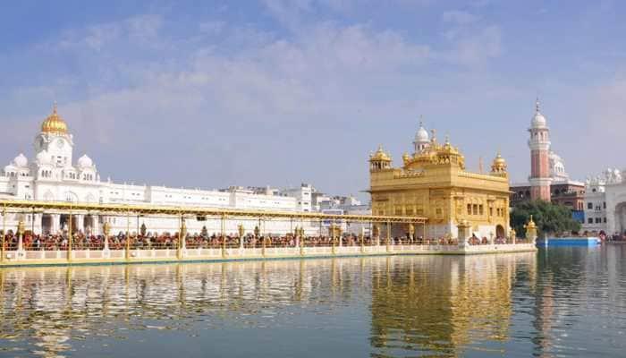 Akal Takht mulling ban on mobile phones inside Golden Temple