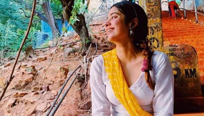 Janhvi Kapoor climbs 3550 steps barefoot to reach Tirupati temple and seek Lord Venkateswara's blessings - Watch