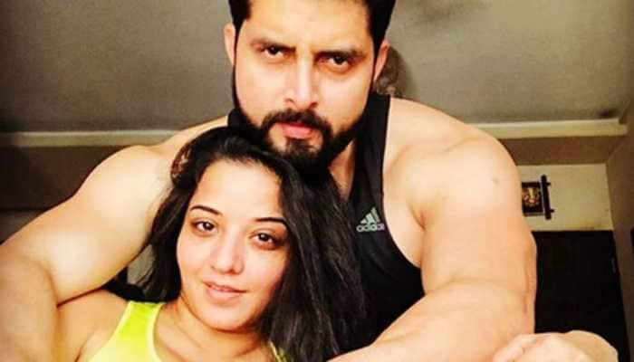 Monalisa shares a romantic pool pic with hubby Vikrant on Valentine's Day!