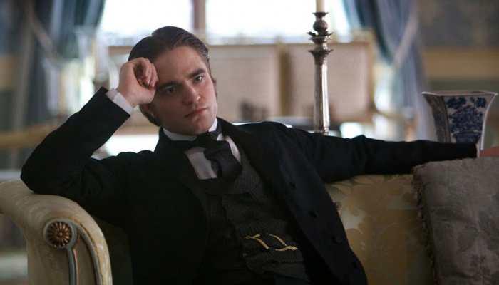 Robert Pattinson's 'Batman' look revealed