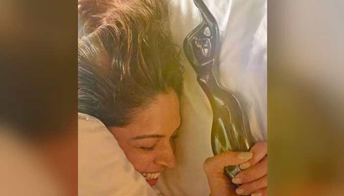 Filmfare Awards 2020: Deepika Padukone's pic with Ranveer Singh's Best Actor trophy is all things adorable