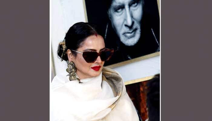 Rekha on posing next to Amitabh Bachchan's pic: 'Yahaan danger zone hai'