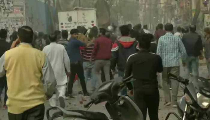 Stone pelting between pro and anti-Citizenship Amendment Act protesters in Delhi's Jafrabad