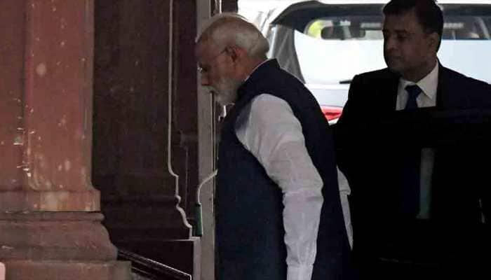Some find foul smell in saying Bharat Mata ki Jai: PM Narendra Modi's veiled jibe at Manmohan Singh