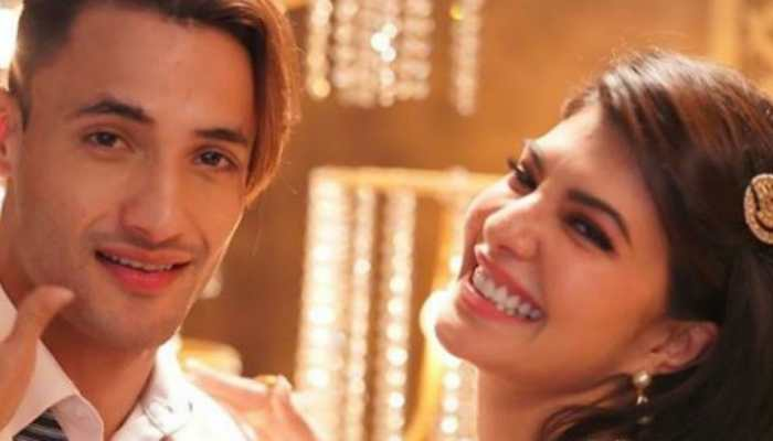 'Mere Angne Mein': Jacqueline Fernandez and Asim Riaz recreate this class song for our peppy Holi playlist