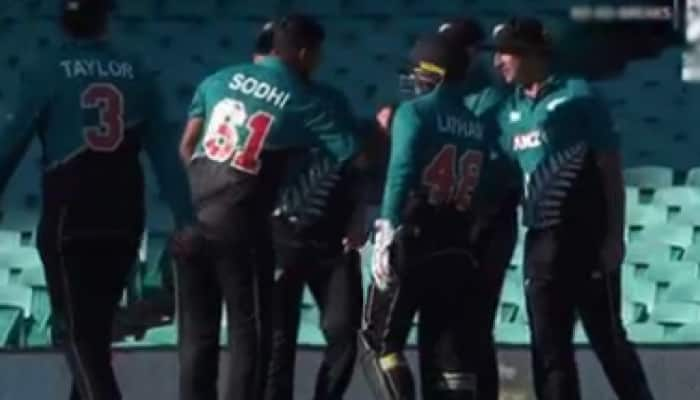 New Zealand ditch handshakes, celebrate Mitchell Marsh's dismissals with fist, elbow bumps