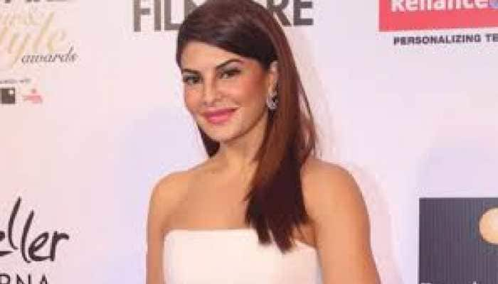 Another day, another fab yoga video by Jacqueline Fernandez – Check out!