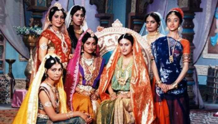 Another epic throwback pic from 'Ramayan' takes over internet, this time Sita aka Dipika Chikhlia shares frame with her sisters