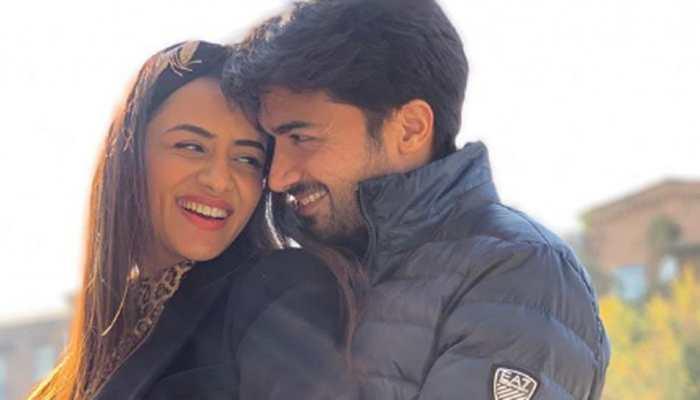 TV couple Smriti Khanna and Gautam Gupta share first glimpse of their romantic song 'Wajah'!