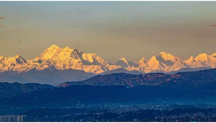 Kathmandu valley see Mount Everest as COVID-19 lockdown cuts pollution; pics go viral