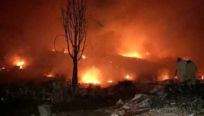 Major fire breaks out at slum in Delhi's Tughlakabad, over 1,000 shanties gutted
