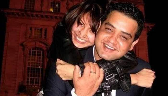 Bollywood News: Anushka Sharma's childhood pic with brother Karnesh is the best thing on internet today!
