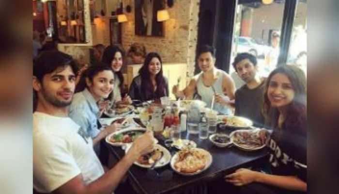 Pic of rumoured exes Alia Bhatt, Sidharth Malhotra along with Katrina Kaif, Parineeti Chopra, Varun Dhawan and Aditya Roy Kapur goes viral