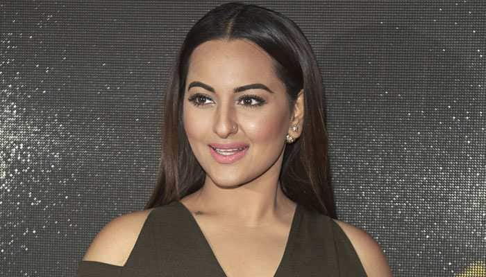 Sonakshi Sinha turns 33, wishes pour in for the 'Dabangg` actress
