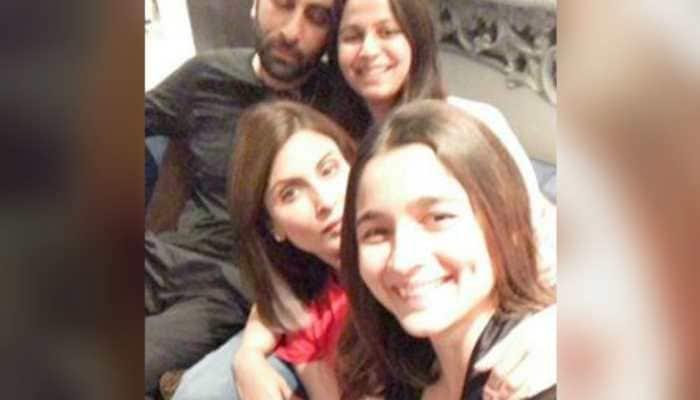 Inside Ranbir Kapoor, Alia Bhatt, Riddhima Kapoor Sahni and Neetu Kapoor's family night