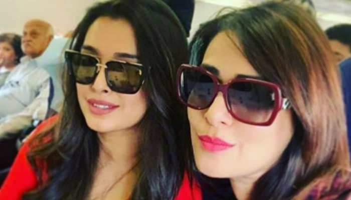 Bhojpuri sizzler Aamrapali Dubey's pic with Pakkhi Hegde is a treat to their fans