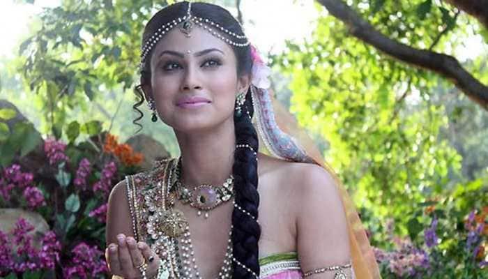 Trending: Mouni Roy's on-set pic as Devi Sati from 'Devon Ke Dev...Mahadev' is going viral!