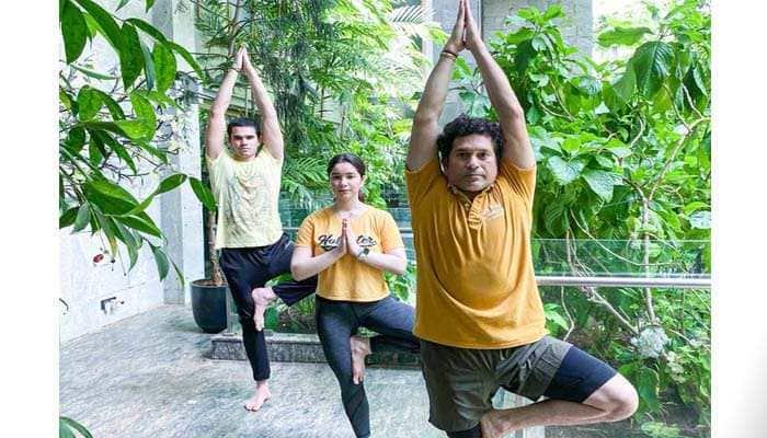 Sachin Tendulkar celebrates Father's Day by doing yoga with kids