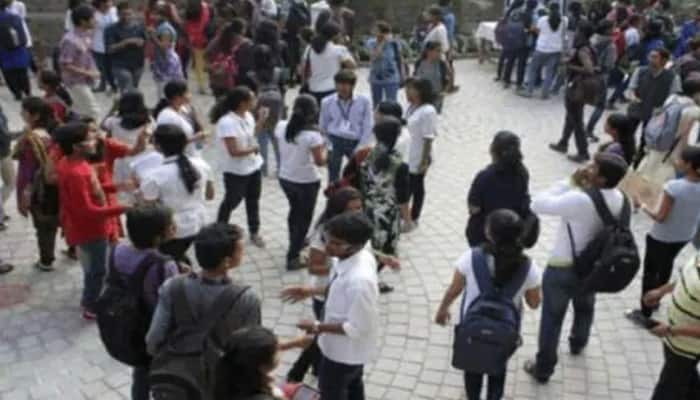 Andhra Pradesh government to soon decide on conducting final semester exams for UG/PG students