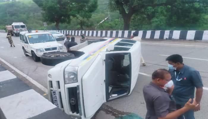 NCP chief Sharad Pawar's convoy car overturns on Mumbai-Pune Expressway