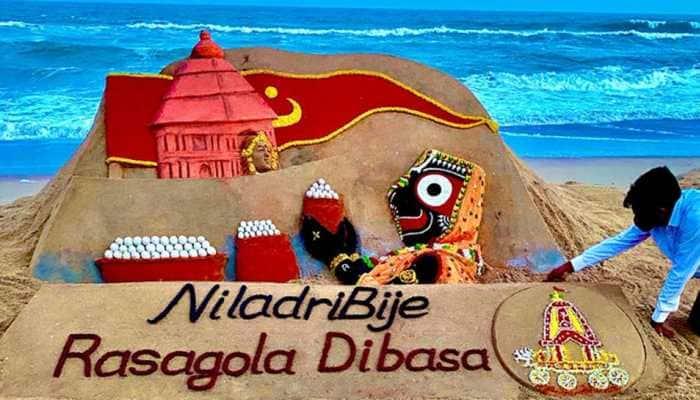 On Niladri Bije, Sudarsan Pattnaik creates Lord Jagannath's sand art offering Rasagola to Goddess Lakshmi - See Rasagola Dibasa pic!