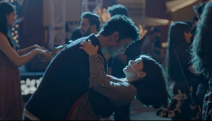 Watch Sushant Singh Rajput-Sanjana Sanghi's sweet love story in 'Taare Ginn' song from 'Dil Bechara'!