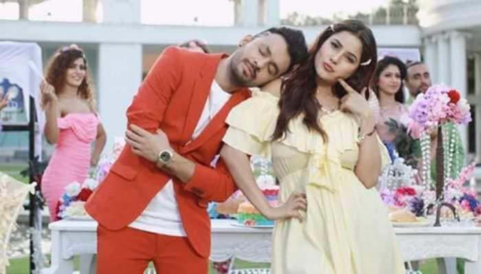 Trending: 'Bigg Boss 13' fame Shehnaaz Gill-Tony Kakkar's 'Kurta Pajama' Punjabi song out - Watch