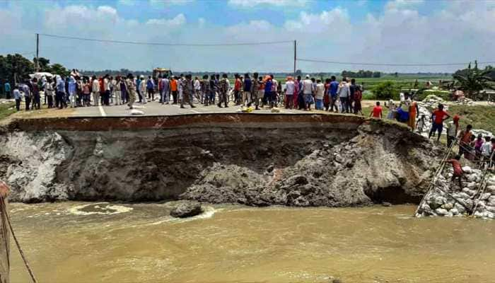 After Sattar Ghat bridge, another approach road in Bihar's Gopalganj cracks