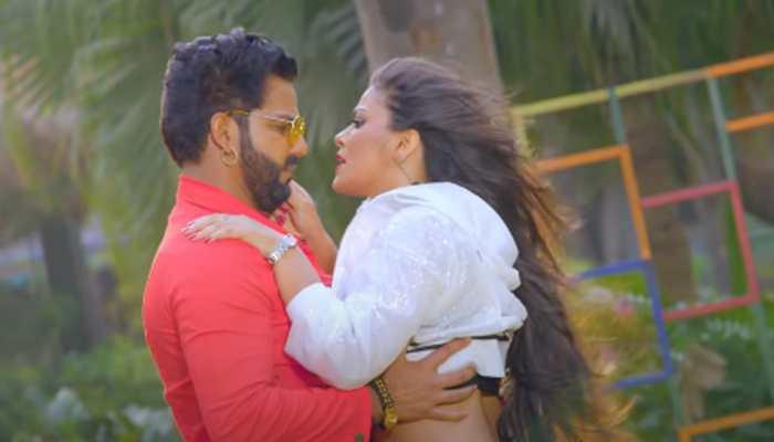 Pawan Singh-Nidhi Jha's sizzling Bhojpuri song 'Fas Jaogi Jaan' goes viral - Watch