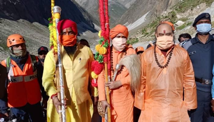 Chhari Mubarak of Lord Shiva reaches Amarnath cave for final pooja on Rakshan Bandhan