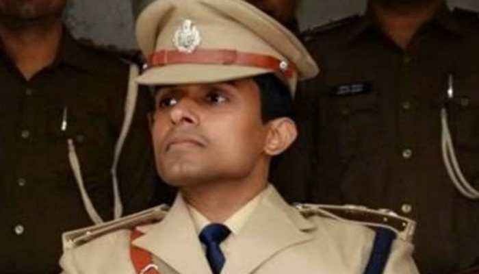 Bihar DGP warns of legal action if IPS officer Vinay Tiwari is not allowed to leave Mumbai today