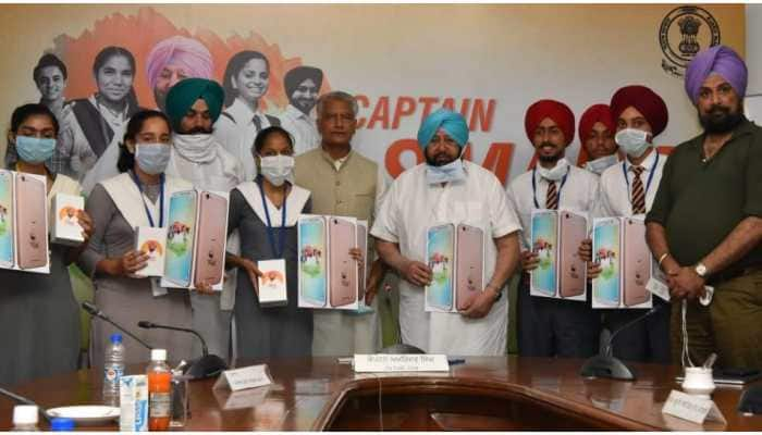 CM Amarinder Singh launches 'Punjab Smart Connect Scheme'; more than 1.74 lakh students to get smartphones