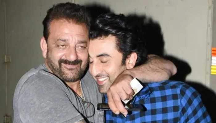 Ranbir Kapoor-Alia Bhatt spotted leaving Sanjay Dutt's residence late night - In Pics