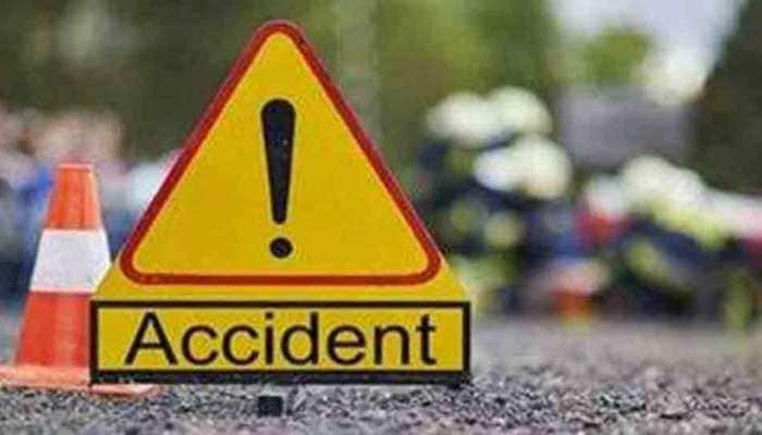 30 injured as bus carrying 45 passengers overturns on Agra-Lucknow expressway
