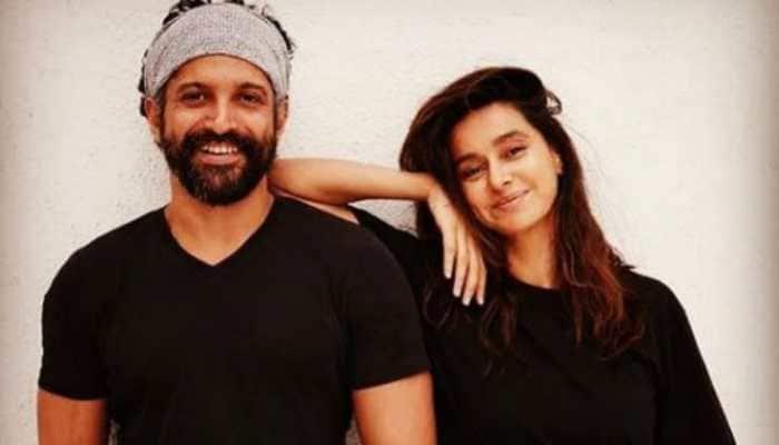 Farhan Akhtar posts a mushy birthday wish for girlfriend Shibani Dandekar