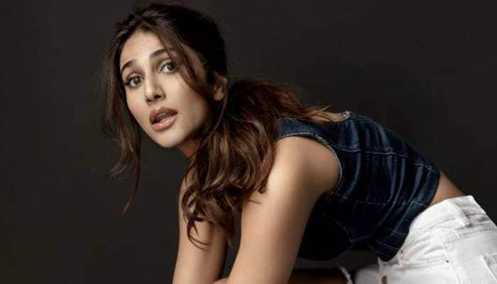 Vaani Kapoor gets into 80s retro mode for 'Bell Bottom' with Akshay Kumar